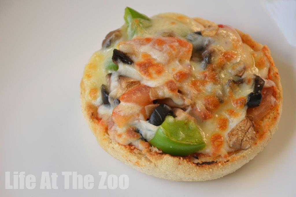 Mini Pizzas - cooking with kids