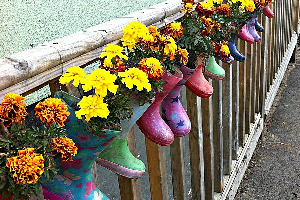 How To Make Welly Plant Pots Life At The Zoo